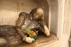 William Shakespeare with a bowl of apples in Southwark Cathedral