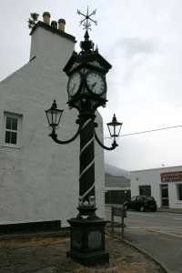 Memorial clock to Sir Arthur Fowler