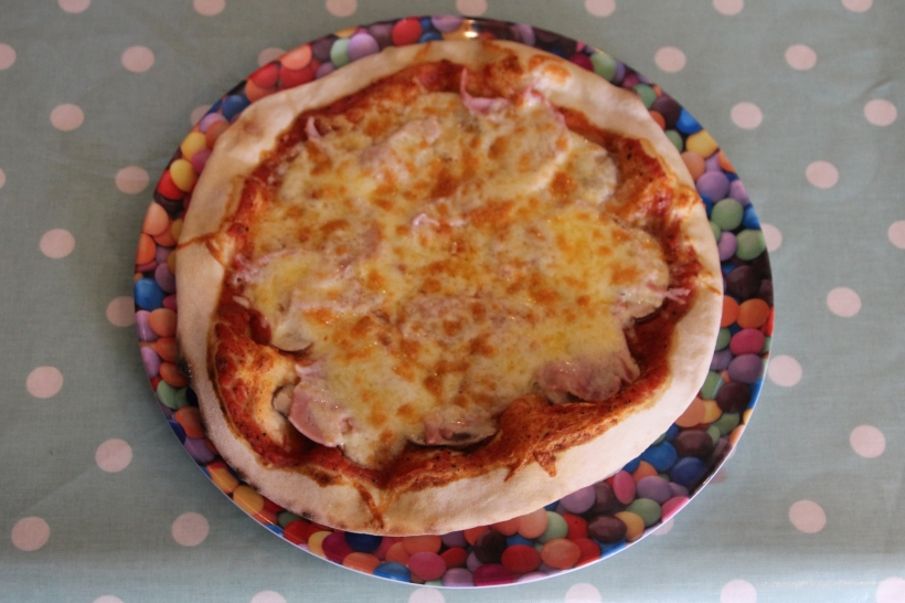 Gammon and Cheese Pizza.