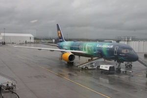 Icelandair B757 TF-FIU (Helka Aurora) at Glasgow Airport.