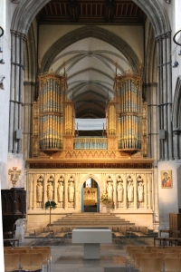 Rood Screen with organ on top and Nave Altar in front.