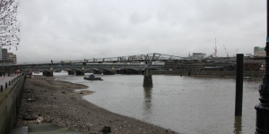 Low Tide under the Millennium Bridge