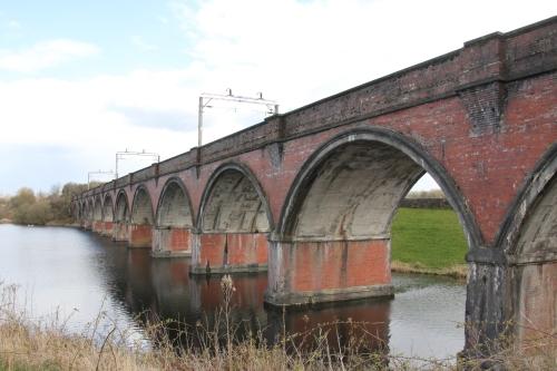 L&AR viaduct across the south of Waukglen Reservoir.