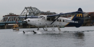 Harbour Air DHC-3 Otter C-FIUZ (306) and Water Taxi
