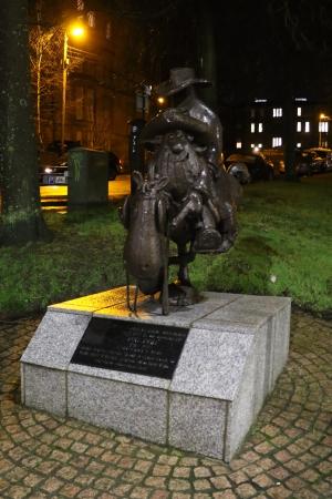 "Statue of ""Lobey"" with ""Rank Bajin"" in handcuffs"