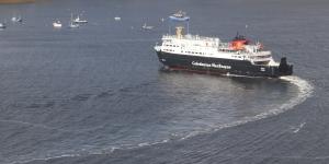 MV Hebrides arriving at Uig
