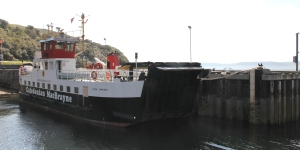 MV Loch Tarbert at Lochranza